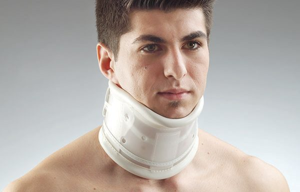 Анатомична яка за травми на шията